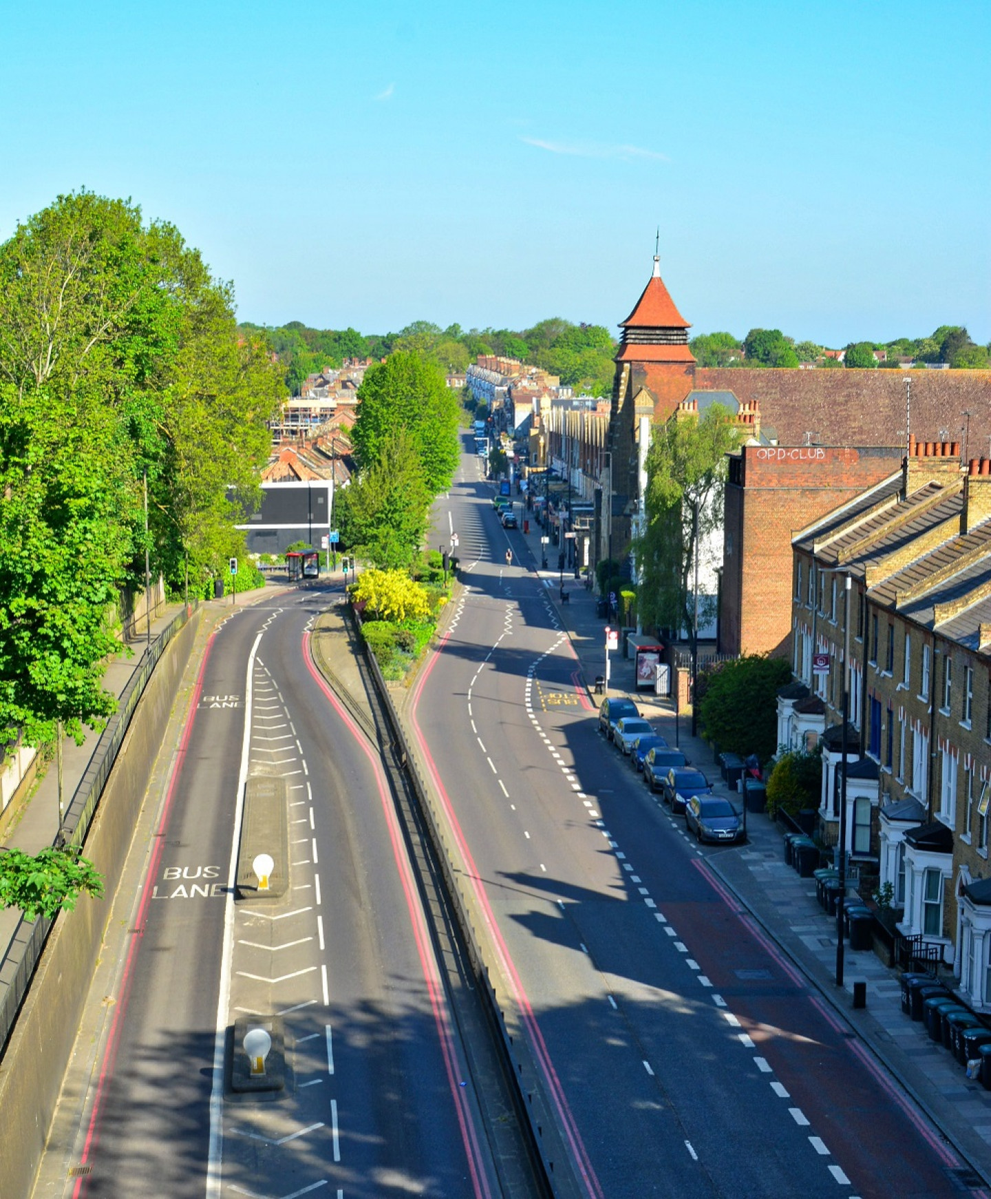 The Great North Rd: looking north towards Highgate. Taken from 'suicide bridge', Sunday 26 April, 9.53 am. © George Demetri