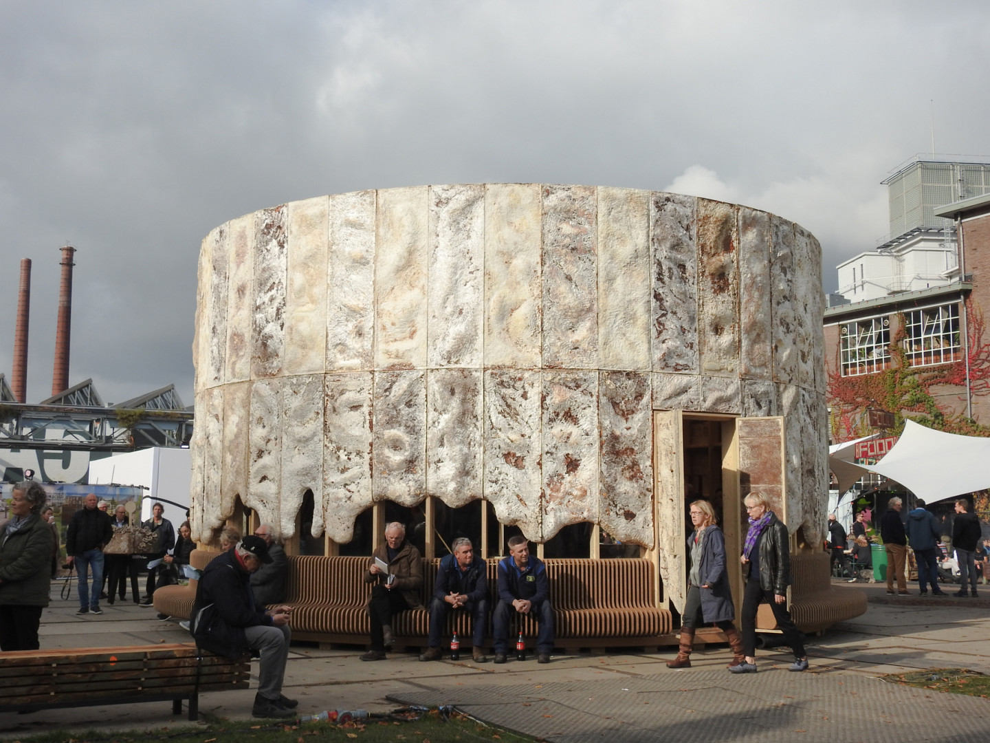 The Growing Pavilion during DDW at the Ketelhuisplein in Eindhoven © Photos Eric Meander